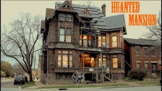 STAYING IN A HAUNTED HOUSE FOR A NIGHT! 👻🍁 Fall Vacation | Grace Belle