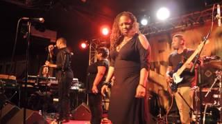 "LALAH HATHAWAY: INTRO BASS by ERIC ""Pikfunk"" SMITH + ""Summertime"" @ NEW MORNING 16 NOV 2012"