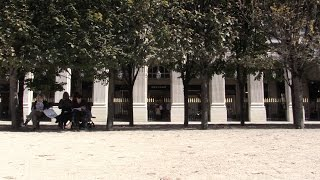 preview picture of video 'Delvaux boutique Paris Palais Royal'