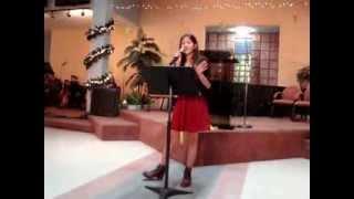 preview picture of video 'Programa Navideño: Carolina Ortiz interpretando:  Es Navidad'