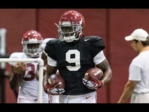 Bo Scarbrough, B.J. Emmons at Alabama practice after injury
