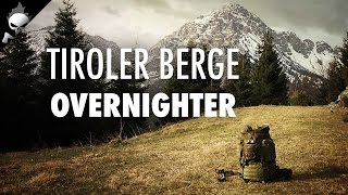 Tiroler Berge: Übernachtung unter Tarp mit Lagerfeuer und Bier – Bushcraft, Wandern, Walden