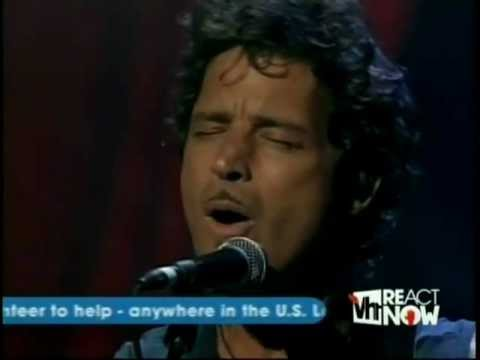 [HD] Audioslave - Doesnt Remind Me (2005 LiVE TV)