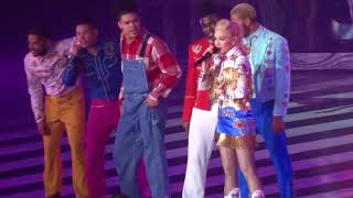 """Gwen Stefani - """"Just a Girl"""" and """"The Sweet Escape"""" (Live in Las Vegas 3-8-19)"""