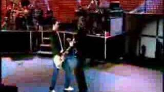Shiver-Maroon 5 Live Friday 13th