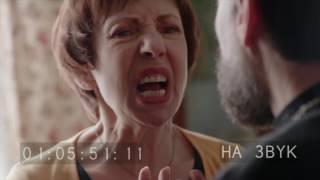 """Сергей Буданов в роли священника в сериале """"Бесстыдники""""."""