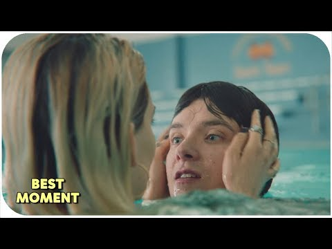 Sex Education 2019 1x04 | Otis and Maeve in the swimming pool
