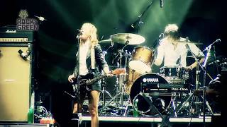 Recycled Moments: Metric Performs 'Gold Guns Girls' at Sustainability Festival