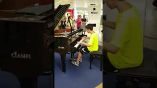 Luis Fonsi feat. Daddy Yankee: Despacito (piano cover), Aeroporto di Fiumicino by Chicco De Angelis