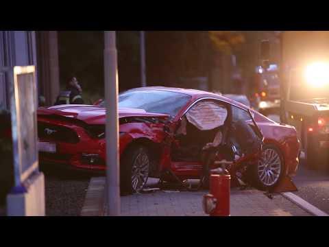 In den Gegenverkehr geschleudert: Mustang-Fahrer stirbt bei Verkehrsunfall in Budenheim