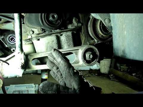 Фото к видео: Dodge Neon Замена ремня ГРМ (Русские субтитры)