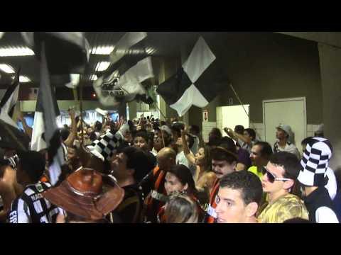 """""""9 minutos de Setor Alvinegro + Cangaceiros - Ceará 1 x 0 Fortaleza - 25.03.12"""" Barra: Setor Alvinegro • Club: Ceará • País: Brasil"""