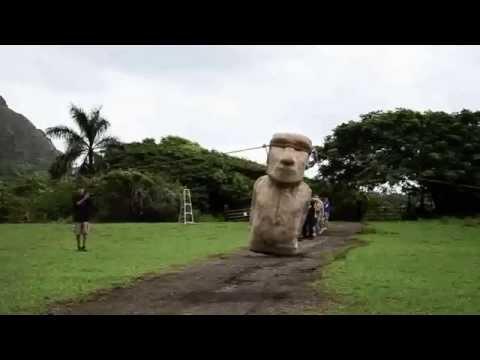 Osterinsel-Köpfe (Moai Statuen) laufen