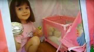 Caça aos ovos com 4 anos :-) (Letícia do Canal da  Lelê)