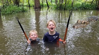 Swamp Survival Camping & Bushcraft (No Tent) - Hunting & Eating Frogs