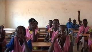 preview picture of video '20. Sènègal - Au collège de Wodobéré'