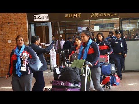 नेपालको राष्ट्रिय महिला क्रिकेट टोली स्वदेश फर्कियाे।