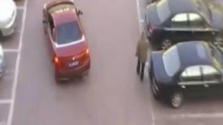 Dieser Mann klaut ihr den Parkplatz. Wie sie dann mit ihm abrechnet ist der Wahnsinn!