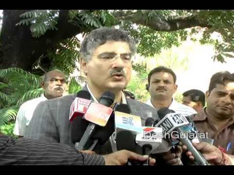 IIMA Director Ashish Nanda briefs media persons, September 2013