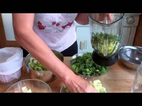 Video Make  Vegetable Juice  In a Blender