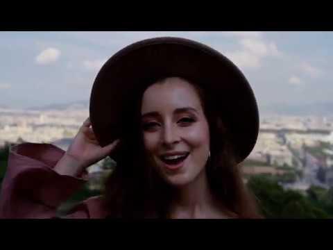 Chloe Phillips · MÉS QUE MÚSICA