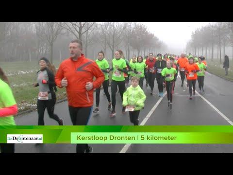 VIDEO | Alle deelnemers aan de vijf kilometer van de Kerstloop op De West in Dronten