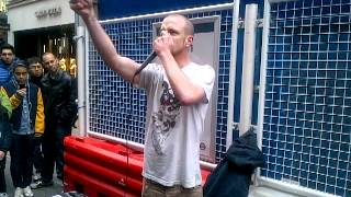 This Guy is the worlds best at Dubstep Beatbox!!