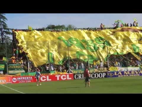 """""""Defensa 0 Independiente 0 salida del equipo"""" Barra: La Banda de Varela • Club: Defensa y Justicia"""