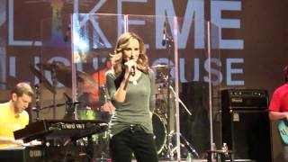 Shut Up and Drive by Chely Wright - LikeMe Lighthouse Benefit March 2012.MP4
