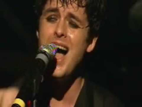 Green Day - Wake Me Up When September Ends [Live @ KROQ Almost Acoustic 2004]