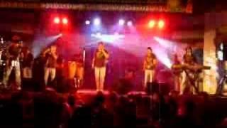 preview picture of video 'TRULALA - Bien enamorado - En Las Juntas Catamarca'