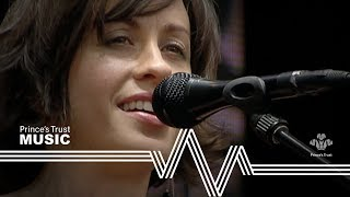 """Video thumbnail of """"Alanis Morissette - Ironic - Unplugged (The Prince's Trust Party In The Park 2004)"""""""