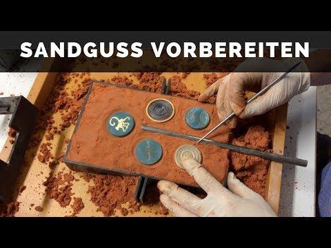 Schmuck und Kunst in Handarbeit - Sandguss vorbereiten