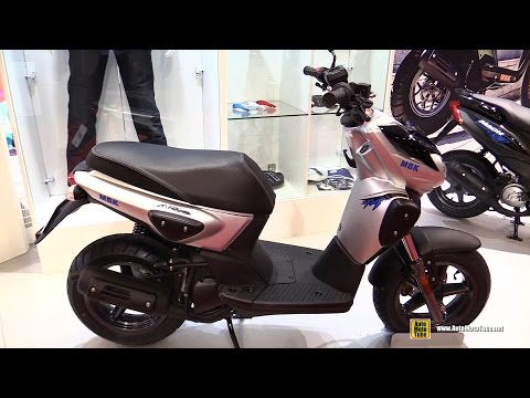 2016 MBK Stunt Naked 50 Scooter – Walkaround – 2015 Salon de la Moto Paris