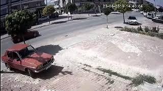 Kaza anı güvenlik kamerasında!