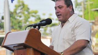 preview picture of video 'Cuba: A los guajiros nos toca cosechar y producir (DÉCIMAS)'