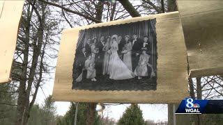 Family finds creative way to help couple celebrate 50th anniversary during COVID-19 pandemic
