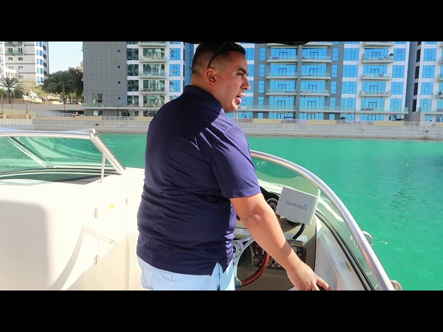 """How to operate and park a """"Single Engine"""" boat"""