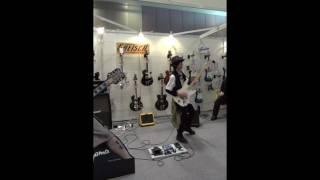Tatsuhito Uto performing vai