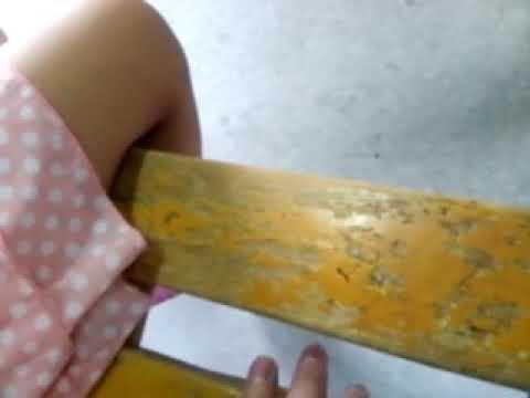 女子小学生が一人でベンチに座っていたので注意してきました(平成27年9月3日撮影)