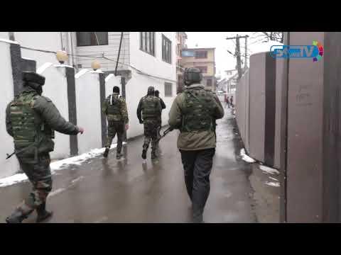 Three policemen wounded in Srinagar grenade blast
