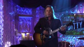 """Jim Lauderdale performs """"Lonely Weekends"""" on Ditty TV"""