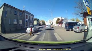 Film do artykułu: Prawie przejechał pieszą na...