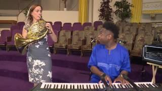 Sarah Willis takes the Sarah´s Music Gospel Horn Challenge!