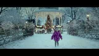 """Alison Krauss & Robert Plant - """"Light of Christmas Day"""" Music Video - Love the Coopers"""