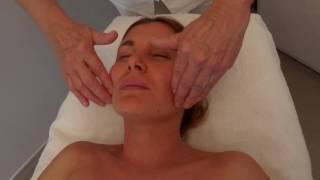 Lymfatická masáž obličeje a dekoltu