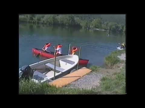 Gioco che pesca su picche nella barca