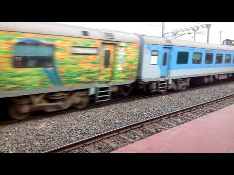 SAINTHIA RAILWAY STATION || SATAPDI EXPRESS || HWH TO NJP