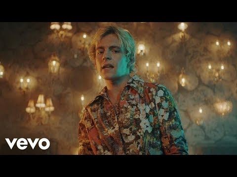 R5 – Hurts Good (Official Video)