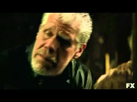 Sons of Anarchy: Clay Kills Piney